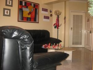 Apartamento En Venta En Maracay - La Arboleda Código FLEX: 18-16943 No.1
