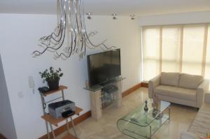 Apartamento En Alquiler En Caracas - Lomas del Sol Código FLEX: 18-16962 No.2