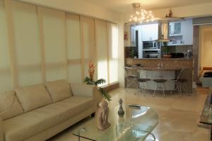 Apartamento En Alquiler En Caracas - Lomas del Sol Código FLEX: 18-16962 No.3