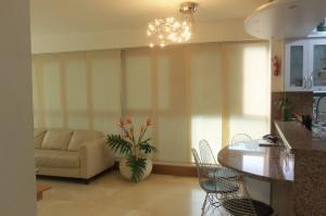 Apartamento En Alquiler En Caracas - Lomas del Sol Código FLEX: 18-16962 No.4