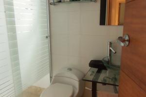 Apartamento En Alquiler En Caracas - Lomas del Sol Código FLEX: 18-16962 No.9