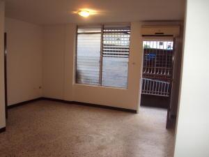 Apartamento En Alquiler En Maracay - El Bosque Código FLEX: 19-833 No.1