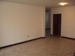 Apartamento En Alquiler En Maracay - El Bosque Código FLEX: 19-833 No.2