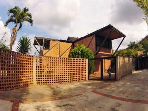 Casa En Venta En Caracas - Oripoto Código FLEX: 19-121 No.2