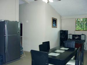 En Venta En Maracay - Paraparal Código FLEX: 19-143 No.5
