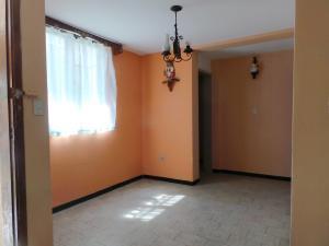 Casa En Venta En Maracay - Andres Bello Código FLEX: 19-361 No.8