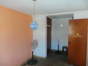 Casa En Venta En Maracay - Andres Bello Código FLEX: 19-361 No.10