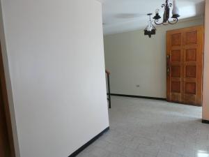 Casa En Venta En Maracay - Andres Bello Código FLEX: 19-361 No.15