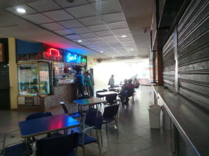 Local Comercial En Venta En Maracay - Base Aragua Código FLEX: 19-365 No.5