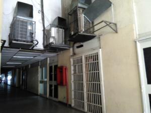 Local Comercial En Venta En Maracay - Zona Centro Código FLEX: 19-369 No.1