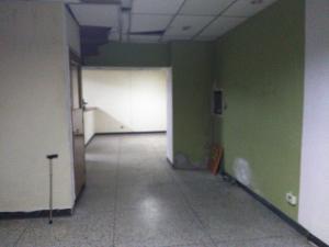 Local Comercial En Venta En Maracay - Zona Centro Código FLEX: 19-369 No.2