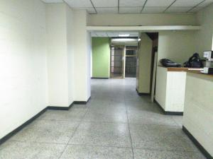 Local Comercial En Venta En Maracay - Zona Centro Código FLEX: 19-369 No.7