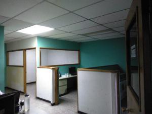 Local Comercial En Venta En Maracay - Zona Centro Código FLEX: 19-369 No.13