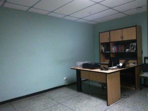 En Venta En Maracay - Zona Centro Código FLEX: 19-369 No.14