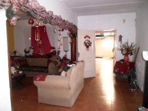 Casa En Venta En Maracay - Santa Rita Código FLEX: 19-504 No.4