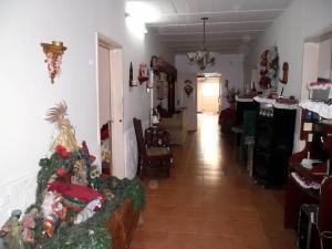 En Venta En Maracay - Santa Rita Código FLEX: 19-504 No.6