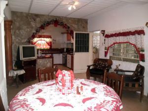 Casa En Venta En Maracay - Santa Rita Código FLEX: 19-504 No.8