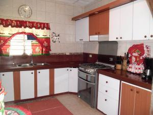 Casa En Venta En Maracay - Santa Rita Código FLEX: 19-504 No.10