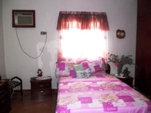 Casa En Venta En Maracay - Santa Rita Código FLEX: 19-504 No.13