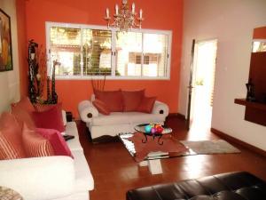 Casa En Venta En Maracay - El Castano (Zona Privada) Código FLEX: 19-509 No.3