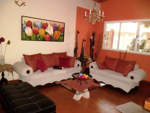 Casa En Venta En Maracay - El Castano (Zona Privada) Código FLEX: 19-509 No.4