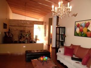 Casa En Venta En Maracay - El Castano (Zona Privada) Código FLEX: 19-509 No.5