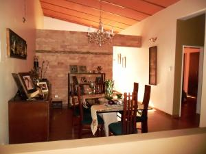 Casa En Venta En Maracay - El Castano (Zona Privada) Código FLEX: 19-509 No.7