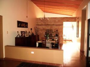 Casa En Venta En Maracay - El Castano (Zona Privada) Código FLEX: 19-509 No.9