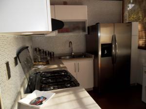 Casa En Venta En Maracay - El Castano (Zona Privada) Código FLEX: 19-509 No.13