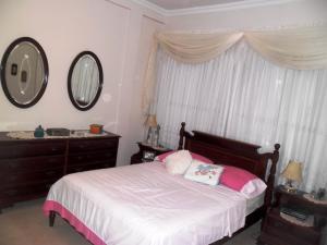 Casa En Venta En Maracay - El Castano (Zona Privada) Código FLEX: 19-511 No.16