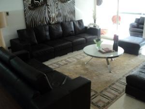 Apartamento En Venta En Caracas - Altamira Código FLEX: 19-952 No.1