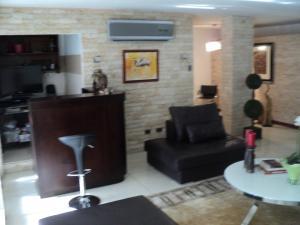 Apartamento En Venta En Caracas - Altamira Código FLEX: 19-952 No.5
