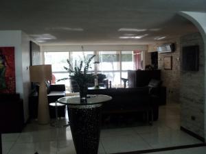 Apartamento En Venta En Caracas - Altamira Código FLEX: 19-952 No.12