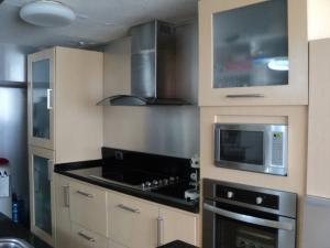 Apartamento En Venta En Caracas - Altamira Código FLEX: 19-952 No.17