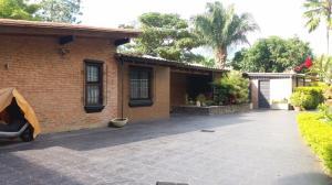 Casa En Venta En Caracas - Cerro Verde Código FLEX: 19-718 No.0
