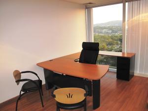 Oficina En Venta En Caracas - Los Palos Grandes Código FLEX: 17-15208 No.17