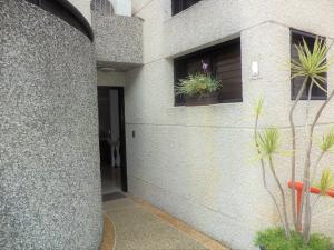 Casa En Venta En Caracas - La Boyera Código FLEX: 19-729 No.2