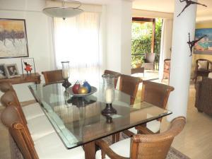 Casa En Venta En Caracas - La Boyera Código FLEX: 19-729 No.5