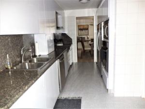 Casa En Venta En Caracas - La Boyera Código FLEX: 19-729 No.9