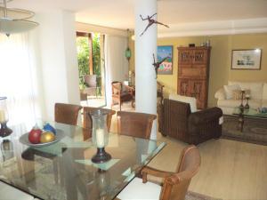 Casa En Venta En Caracas - La Boyera Código FLEX: 19-729 No.16