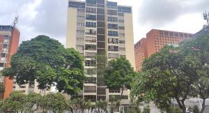 Apartamento En Venta En Caracas - Sabana Grande Código FLEX: 19-734 No.0