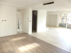 Apartamento En Venta En Caracas - El Rosal Código FLEX: 19-754 No.4