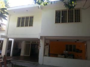 Casa En Venta En Caracas - El Marques Código FLEX: 19-832 No.6