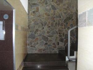 Apartamento En Venta En Caracas - Los Dos Caminos Código FLEX: 19-876 No.2