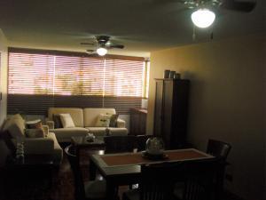 Apartamento En Venta En Caracas - Los Dos Caminos Código FLEX: 19-876 No.4