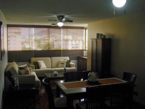Apartamento En Venta En Caracas - Los Dos Caminos Código FLEX: 19-876 No.5