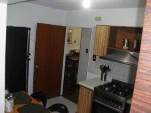 Apartamento En Venta En Caracas - Los Dos Caminos Código FLEX: 19-876 No.8