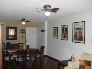 Apartamento En Venta En Caracas - Los Dos Caminos Código FLEX: 19-876 No.9