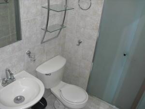 Apartamento En Venta En Caracas - Los Dos Caminos Código FLEX: 19-876 No.14