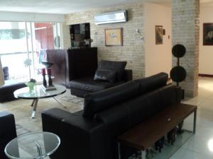 Apartamento En Venta En Caracas - Altamira Código FLEX: 19-952 No.8